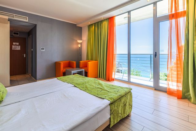 Sol Marina Palace Hotel - SGL room